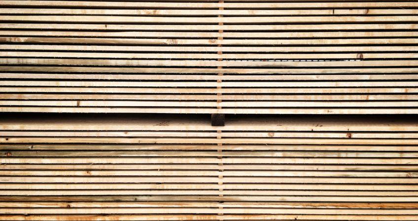 fenyőker fatelep fenyő fűrészáru fakereskedés tüzép favédelem fakezelés impregnálás akció szolgáltatás kedvezmény