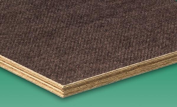 fenyőker fatelep fenyő fűrészáru fakereskedés tüzép termékek falap lemez nyír rétegelt csúszásmentes minőség gigant